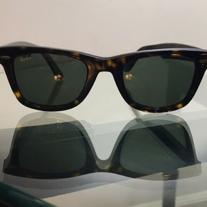 Tortoise/Brown Ray Ban Wayfarer Sunglasses